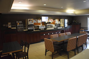 Restaurant - Holiday Inn Express Hotel & Suites Garden City