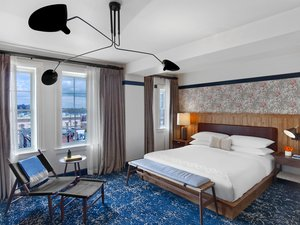 Room - Revival Hotel Baltimore