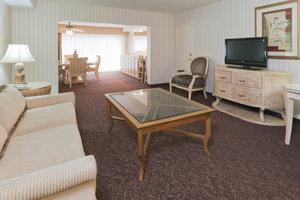 Suite - Crowne Plaza Hotel Mission Valley San Diego