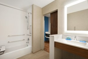 - Holiday Inn Express Hotel & Suites Wilder