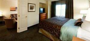 Room - Staybridge Suites Maple Grove