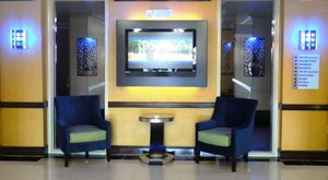 Lobby - Holiday Inn Express Hinesville