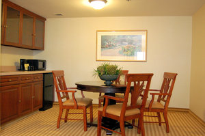 Suite - Crowne Plaza Hotel Pittsfield