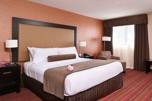 Room - Crowne Plaza Hotel Grand Rapids Airport