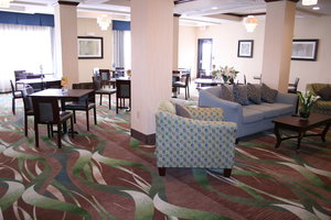 Restaurant - Holiday Inn Express Hotel & Suites Pratt