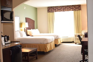 Room - Holiday Inn Express Hotel & Suites Pratt