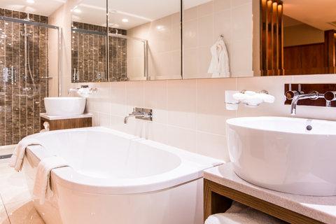 Titanic Suite Bathroom