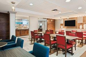 Restaurant - Holiday Inn Express Doral