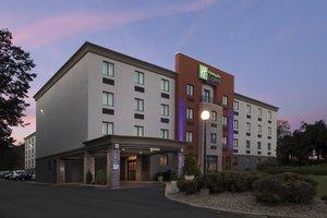 Exterior view - Holiday Inn Express Saugus