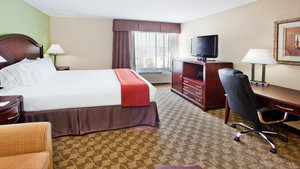 Room - Holiday Inn Express Peachtree Corners Norcross