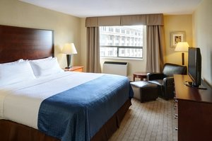 Suite - Holiday Inn Hotel & Suites Downtown Winnipeg