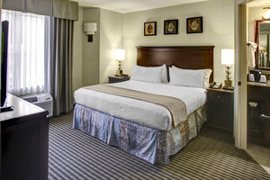 Suite - Holiday Inn Express Hotel & Suites Buckhead Atlanta