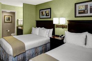 Room - Holiday Inn Express Hotel & Suites Buckhead Atlanta