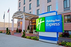 Exterior view - Holiday Inn Express Union Street Brooklyn Heights