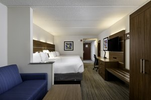 Suite - Holiday Inn Express Hotel & Suites Belmont