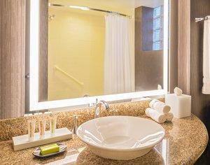 - Le Meridien Hotel Cambridge