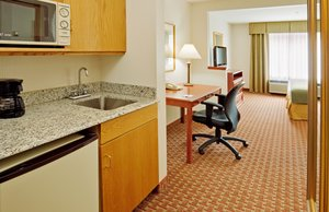 Suite - Holiday Inn Express Hotel & Suites Frackville