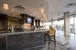Bar - Crowne Plaza Hotel Saddle Brook