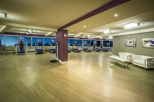 Fitness/ Exercise Room - Crowne Plaza Hotel Saddle Brook