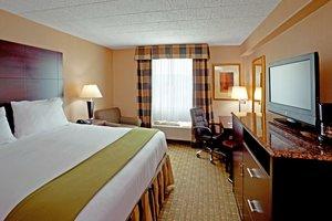 Room - Holiday Inn Express North Bergen