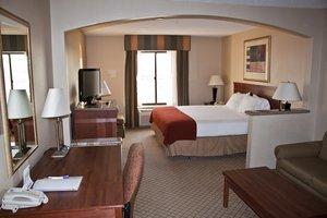 Room - Holiday Inn Express Hotel & Suites Garden City