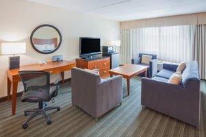 Suite - Crowne Plaza Hotel Bloomington