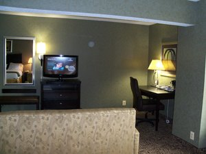 Suite - Holiday Inn Express Edgewood