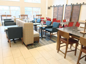 Restaurant - Holiday Inn Express Hotel & Suites White River Junction