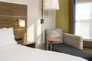 Room - Holiday Inn Express Hotel & Suites White River Junction
