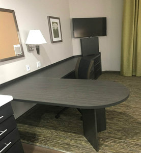- Candlewood Suites Independence