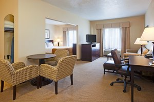 Suite - Holiday Inn Express Hotel & Suites Brandon