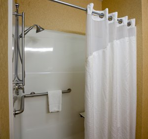 - Holiday Inn Express Hotel & Suites Brandon