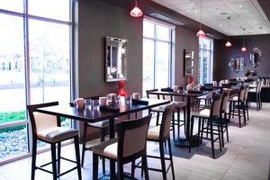 Restaurant - Holiday Inn Express Hotel & Suites Davenport