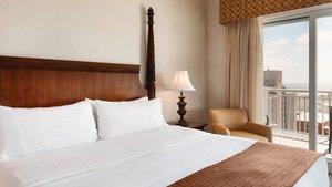 Suite - Holiday Inn Hotel & Suites Ocean City
