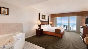 Room - Holiday Inn Hotel & Suites Ocean City