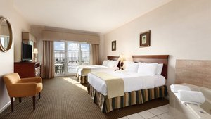 Suite - Holiday Inn Hotel & Suites Ocean City