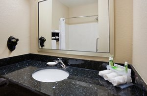 - Holiday Inn Express Hotel & Suites Aberdeen