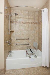 - Holiday Inn Express Hotel & Suites Aberdeen