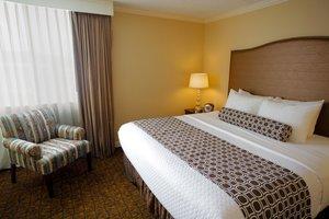Suite - Crowne Plaza Hotel Madison
