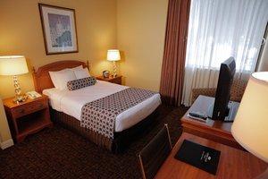Room - Crowne Plaza Hotel Madison
