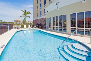 Pool - Holiday Inn Express Hotel & Suites Fort Myers