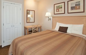 Room - Candlewood Suites Olathe