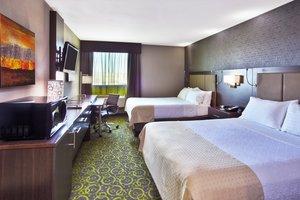 Room - Holiday Inn Airport Polo Park Winnipeg