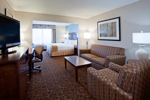 Room - Holiday Inn Express Hotel & Suites St Cloud