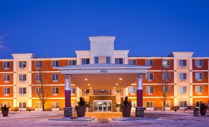 Exterior view - Holiday Inn Express Hotel & Suites St Cloud