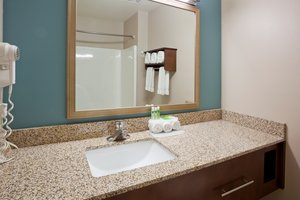 - Holiday Inn Express Hotel & Suites St Cloud