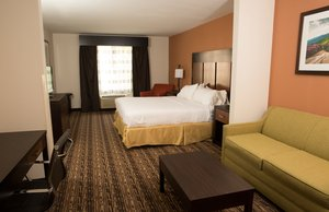 Suite - Holiday Inn Express Hotel & Suites Cherokee