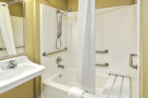 - Candlewood Suites Killeen