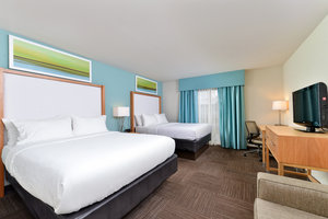 Room - Holiday Inn Hotel & Suites Busch Gardens North Tampa