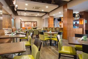 Bar - Holiday Inn Cherry Creek Denver